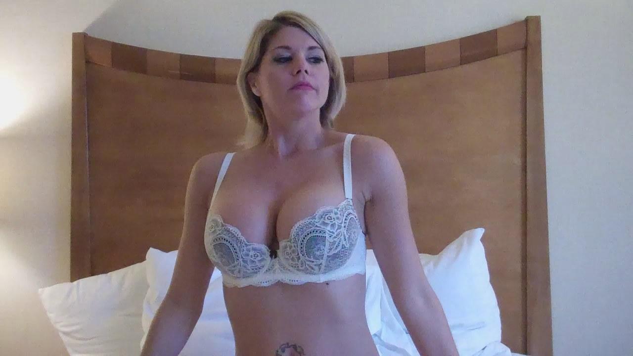 masturbation video frost clips Brianna
